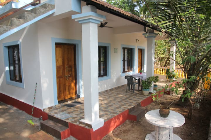 Sabina River Bank Home Stay