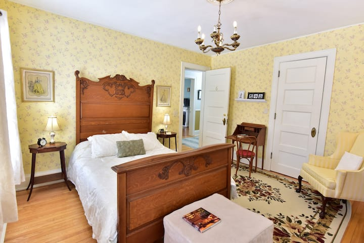 Lillian and Alfredo - Ringling House Bed & Breakfast