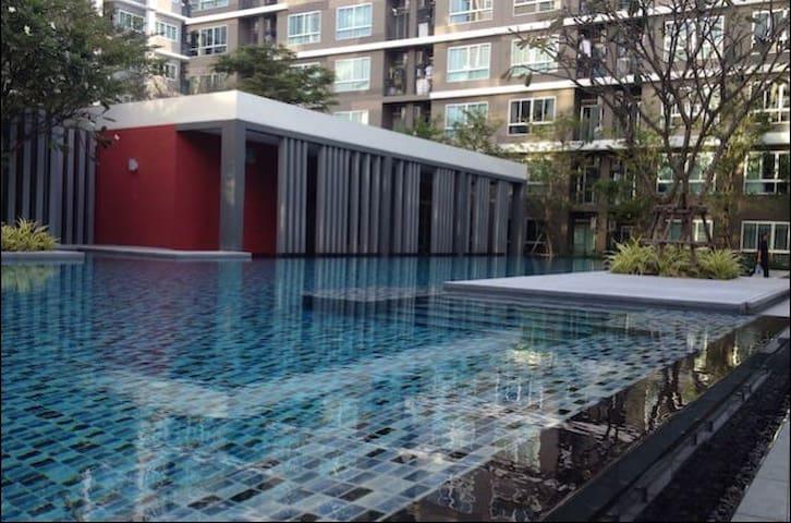 Comfortable Condo Near BTS Barering - Tambon Sam Rong Klang - Apartament