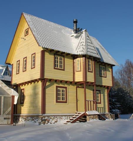 """Дом в поместье """"Старый Замок"""" 10 спальных мест"""