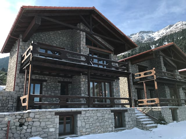 Sevenhill Luxury Chalet