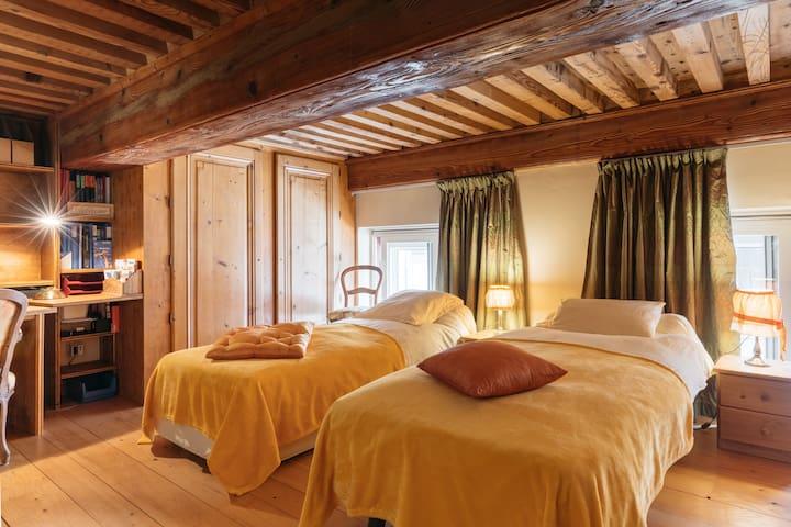 Chambre canut pour 1 ou 2 à Lyon Croix-Rousse (4è)