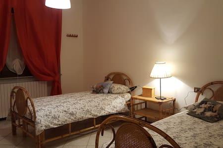 near piacenza's DomusAlquati-Room 2 - Carpaneto Piacentino
