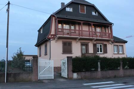 Appartement et jardin dans maison à Obernai