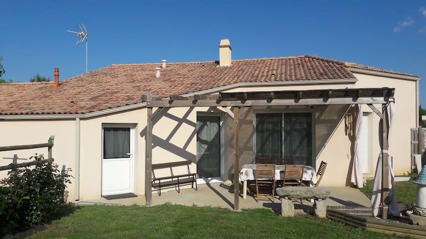 Maison à 20 min du Puy du fou et 1h côte vendéenne