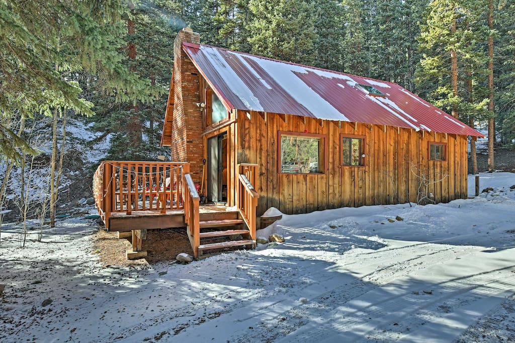 This cozy retreat features a furnished deck, fireplace, and gas grill!