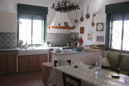 Tranquilla casa in campagna - Santa Margherita di Belice