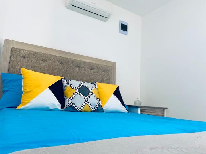 Habitación , cómoda y económica!