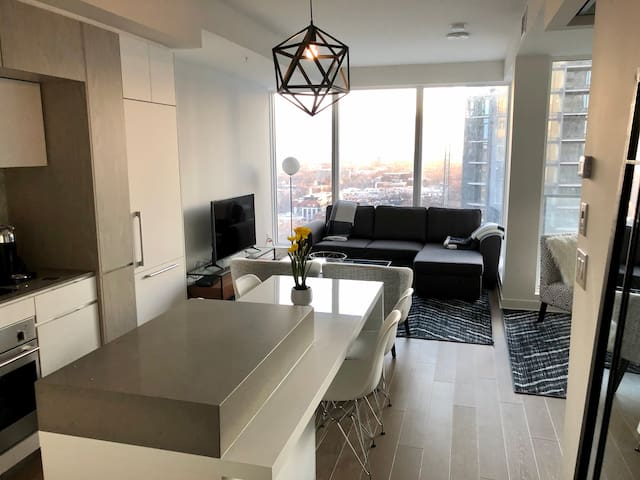 Tour Des Canadiens 2 - Furnished -Brand New 3 1/2