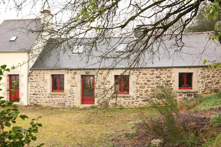 Maison de caractère écologique Parc Naturel - Scrignac - House