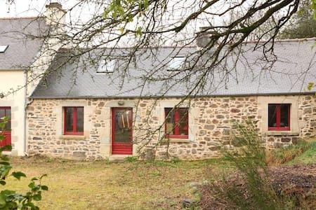 Maison de caractère écologique Parc Naturel - Scrignac - Haus