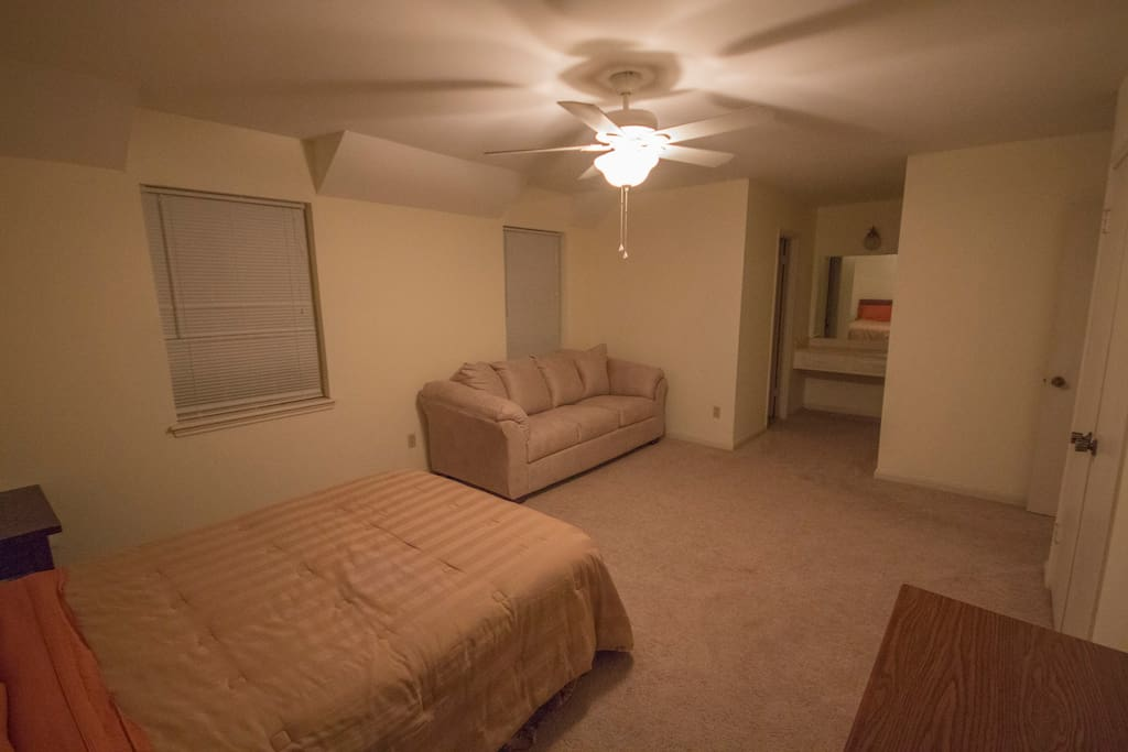 Studio Apartment Sized Room With Private Bathroom Houses For Rent In Houston Texas United States
