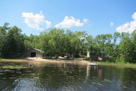 Family cottage on lake Commanda! - Restoule - キャビン