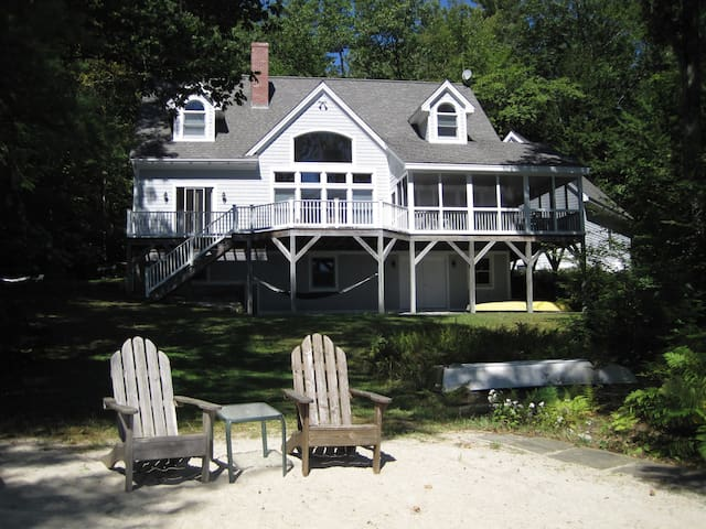 Lakefront Home with Private Beach! - South Sutton, Lake Sunapee - Casa