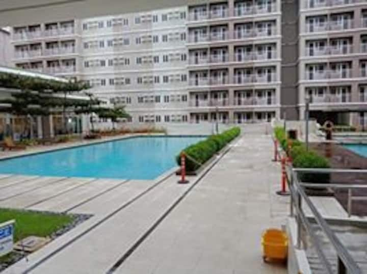 PERALTA'S  CONDOMINIUM AT TREES RESIDENCES - Q.C