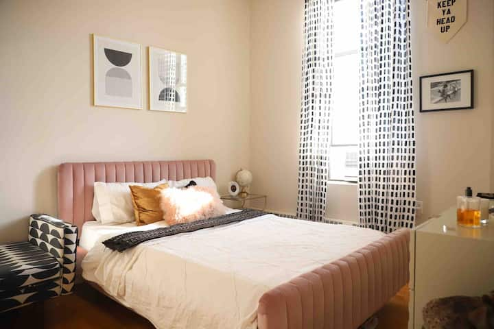 Sunny, Newly Redecorated Apt in Hip Brooklyn Area