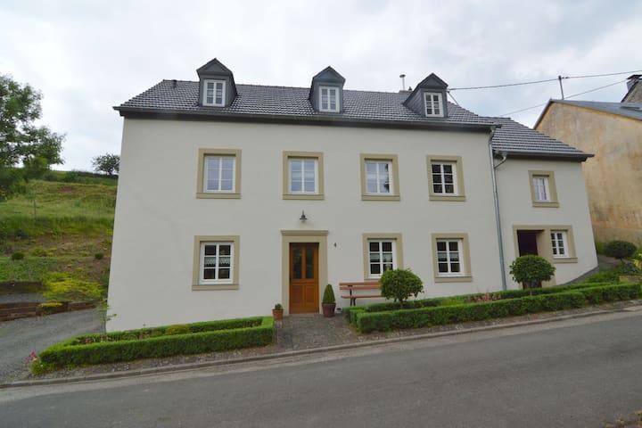 Appartement dans l'Eifel de Plütscheid près de la forêt