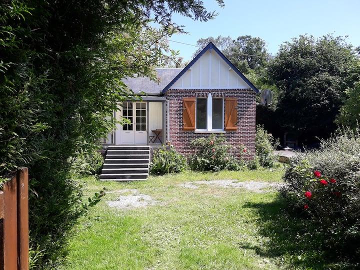 Cottage dans village de Veules avec plage à 700M