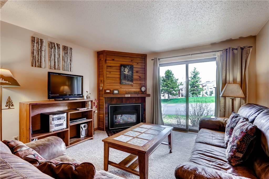 Indoors,Room,Entertainment Center,Bedroom,Furniture