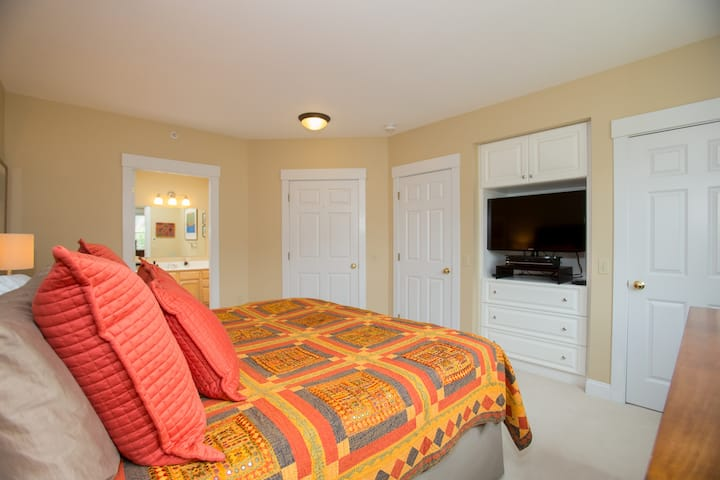 Stowe Condo for seasonal rental only--$14,000