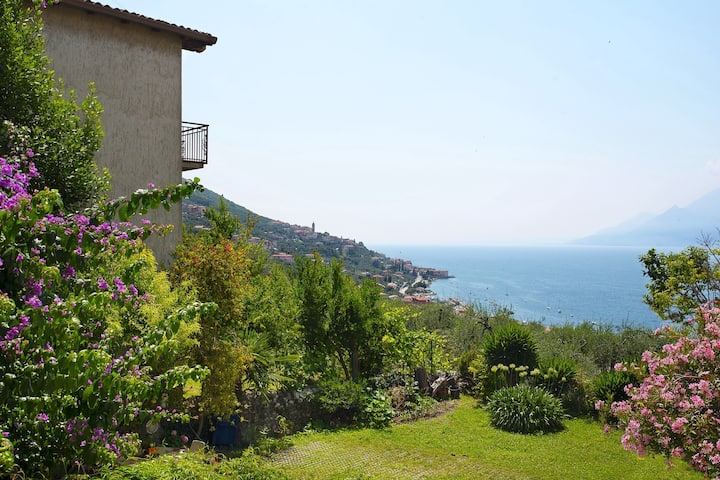"Charming Holiday Apartment ""Appartamento Bellavista Brenzone"" with Garden, Mountain and Lake View, Paddling Pool & TV; Parking Available"