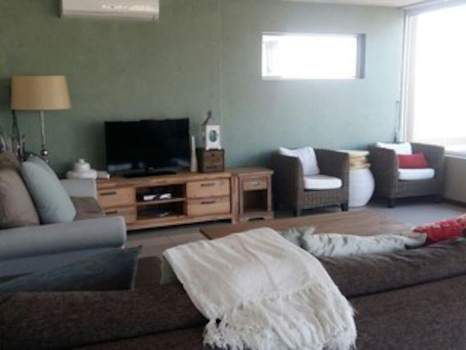 Porpoise Living room