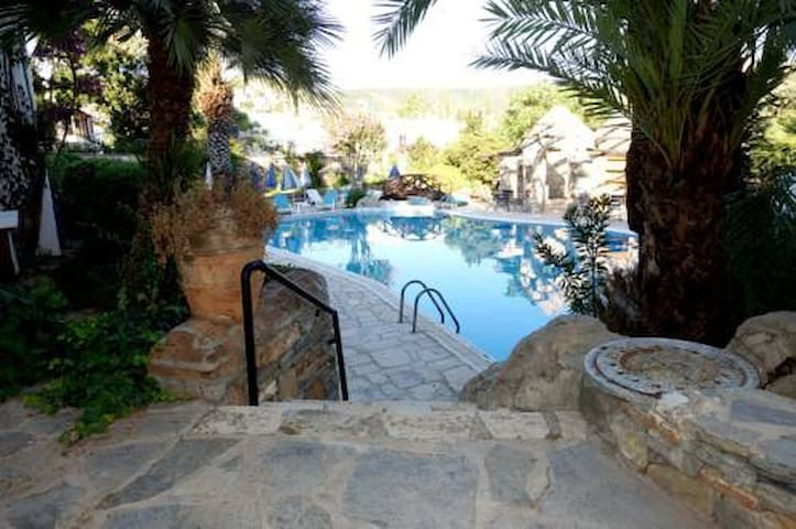 Apart flat in central Bodrum with swimming pool