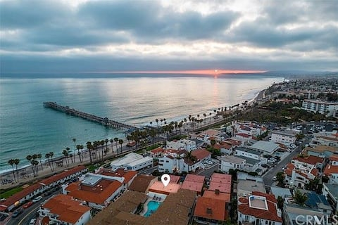 Steps from Sand - 2 Bedroom at San Clemente Pier!