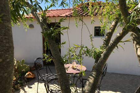 "Cottage ""two"" of Casa Joia. - 拉各斯 - 独立屋"