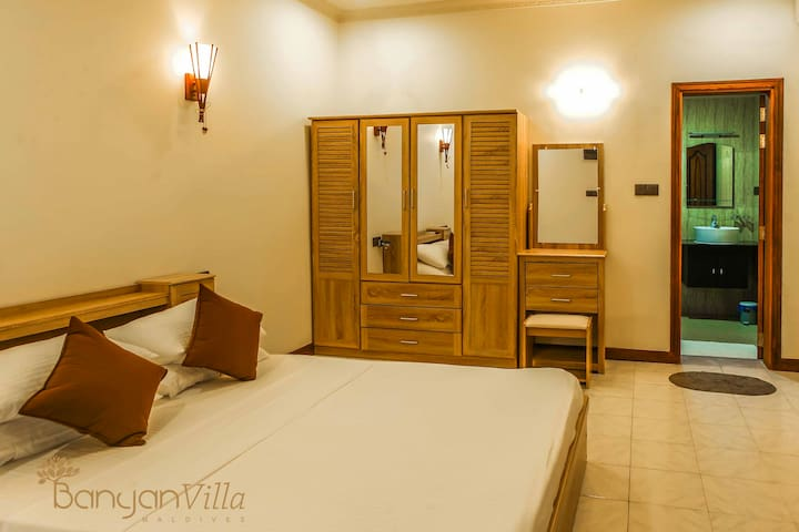 Banyan Villa Dhangethi - Deluxe Room with Spa Bath