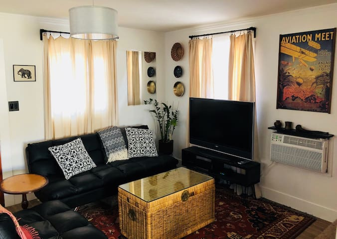 Living room with AC and TV with Netflix (Amazon Fire Stick)