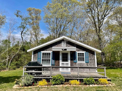 Arrowsmith Cottage - Oak Bluffs, Martha's Vineyard