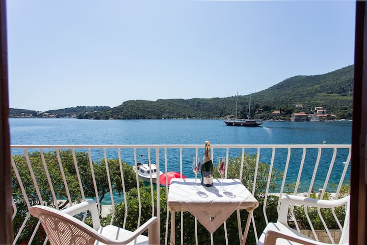 Villa Malfi - One-Bedroom with Sea View No.1