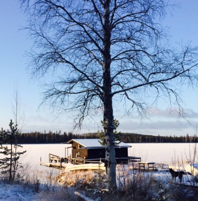 The Floataway with direct access to nature, snow, northern light and wood fired sauna