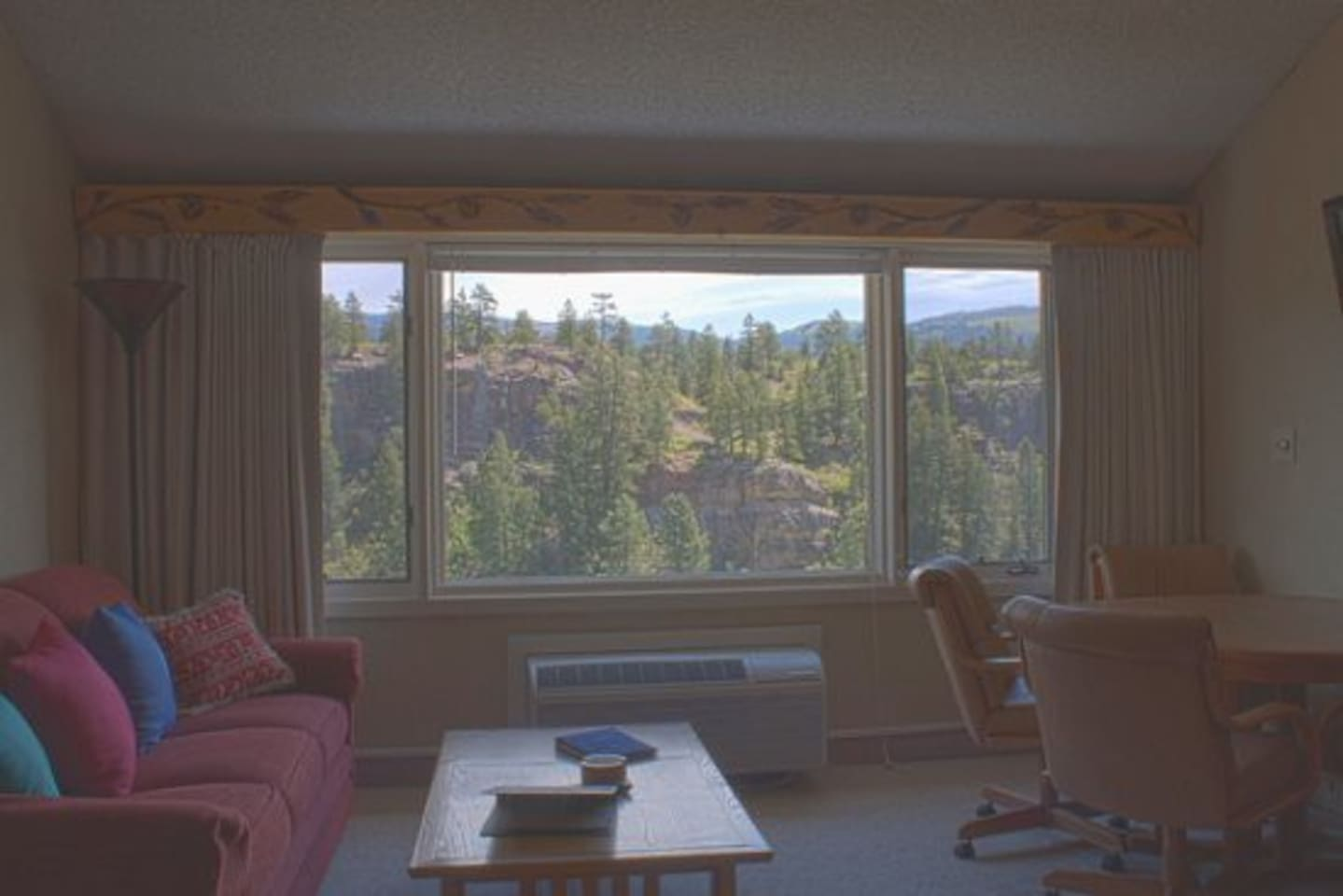 Tamarron Vacation Rentals 510 - Loft Unit with 1 Queen bed down and 2 Twins up - Durango, Colorado