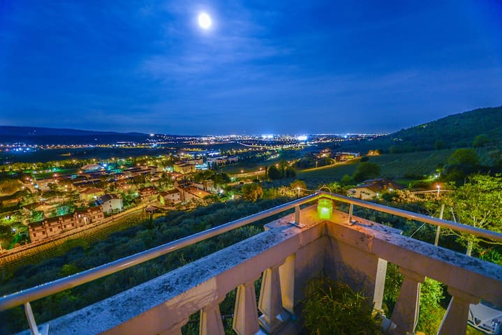 B&B CA NOVECENTO tra le verdi colline sopra Verona - Verona - Bed & Breakfast