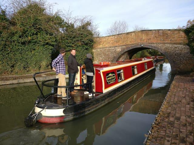 Narrowboat luxury holiday hire.