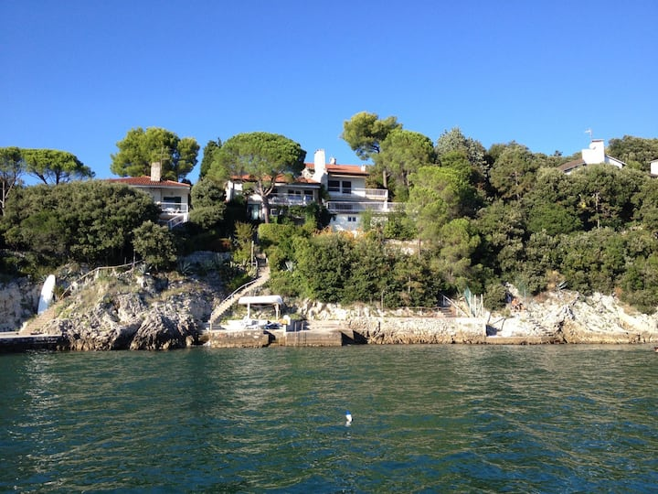 Duino Beachfront Villa