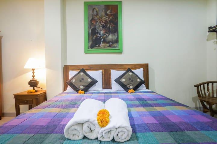 Rodja House- Room with AC at Ubud center