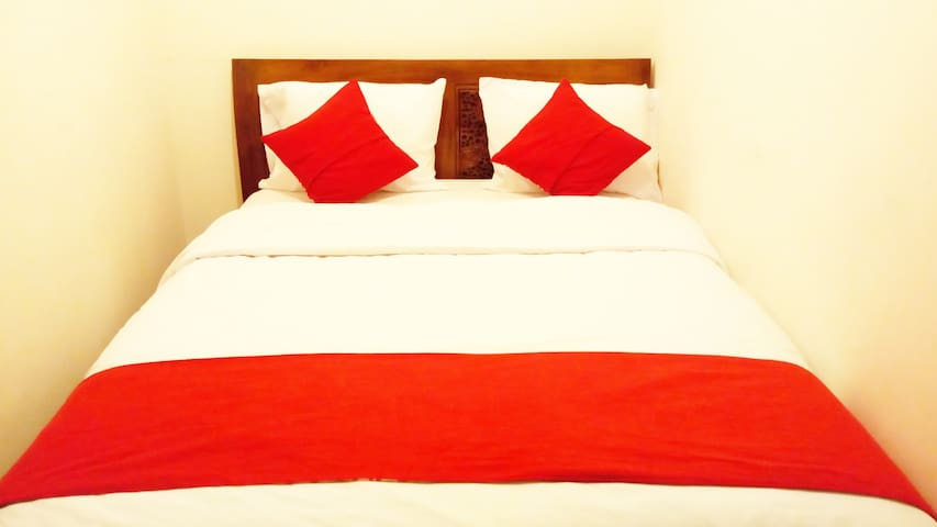 Cisitu Valley Villa (Room no. 8)