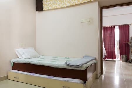 Cozy Room Close to City and Airport - Hyderabad - Appartement