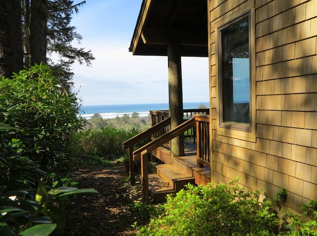 """Ocean View Oasis"" with spectacular Ocean View - Neskowin - Stuga"