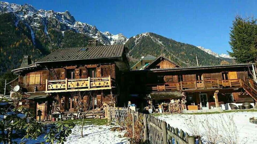 Maison de caractère face au massif du Mont-Blanc