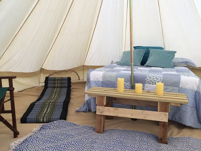 Yurt + 4 Furnished Bell Tents by South Downs - Lewes - Tenda