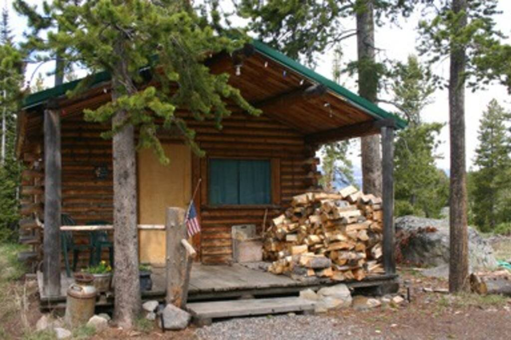 Secluded cabin experience b b cabins for rent in for Cabin yellowstone park