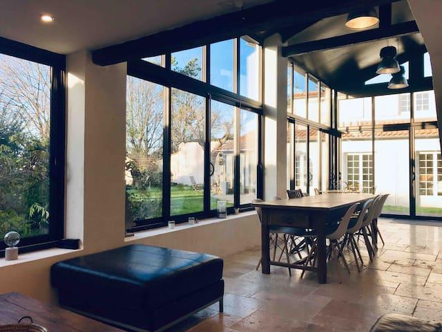 """La maison de Mitis  """"climatisée"""" 10 km La Rochelle"""