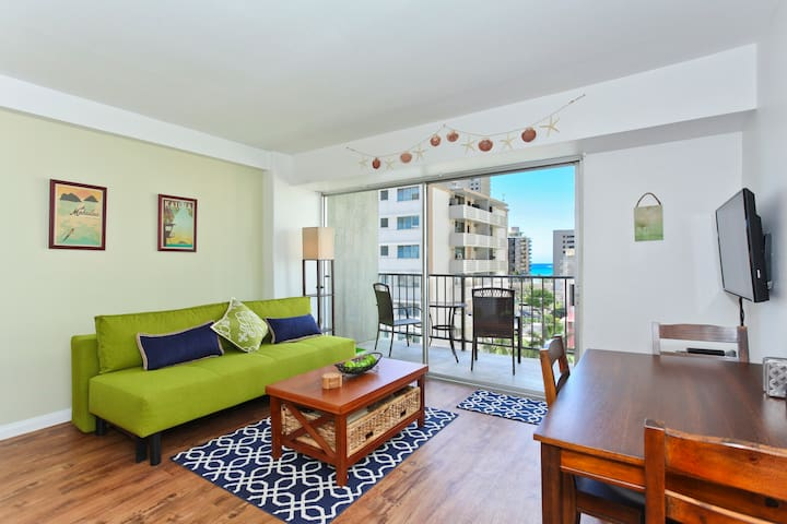 Professionally Sanitized*Ocean+City View from this Waikiki Condo+Free Parking - Waikiki Park Heights Ocean 1 BDR 8th Floor