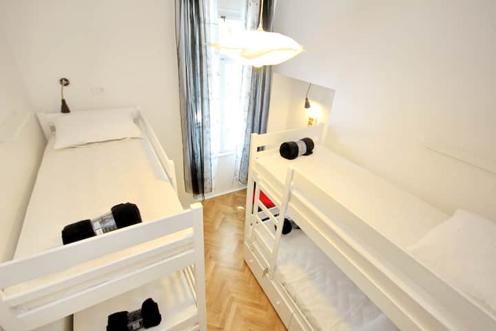 4 bed dormitory TheHostel