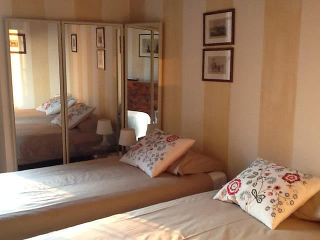 Central in historic building - Brescia - Bed & Breakfast
