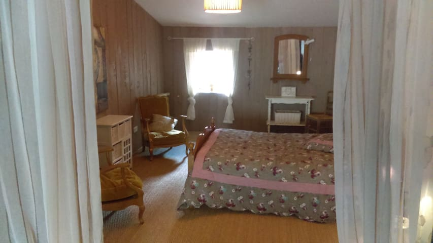 Chambre, 2 à 4 pers, en Deux-Sèvres